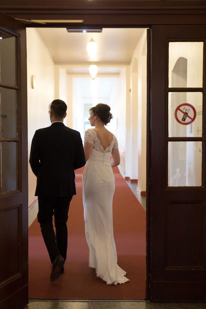 Hochzeitspaar im Hotel